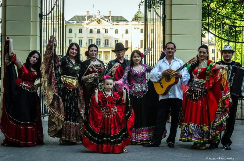 """Międzynarodowy Zespół Muzyki  Cygańskiej """"Forte Roma"""""""