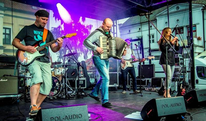 """Folkowo-rockowy ukraiński Zespół """"Tuhaj-Bej"""""""