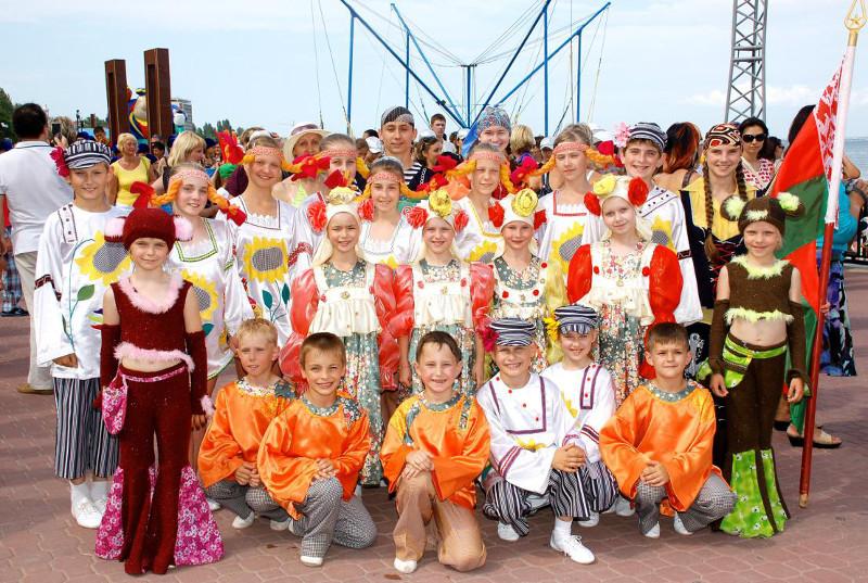 """Wzorcowy Dziecięcy Zespół Tańca Estradowego """"Kaprys"""""""