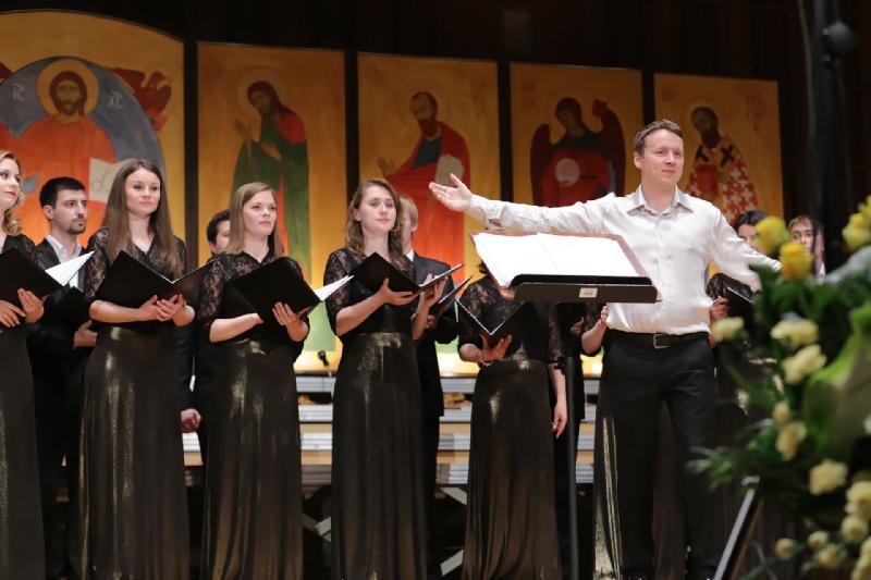 Aleksiej Szamrycki przedstawia chór festiwalowej publiczności
