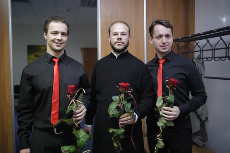 Dyrygent wraz z solistami