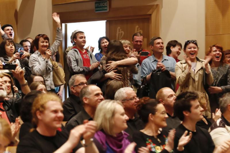 Radość chórzystów z Filharmonii Czelabińskiej