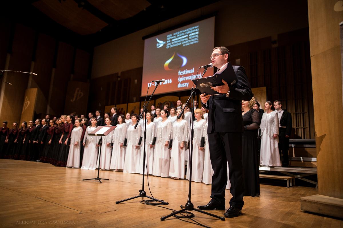 Koncert Inauguracyjny poprowadził Marcin Tomkiel.