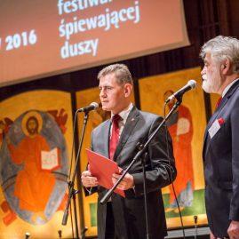 19. Wicemarszałek Województwa Podlaskiego Maciej Żywno i Dyrektor Festiwalu Mikołaj Buszko.
